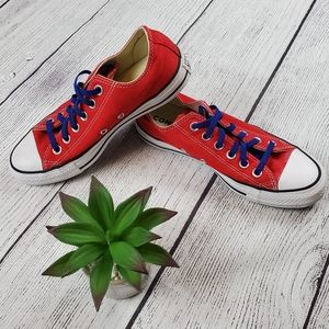 {Converse} Chuck Taylor All Stars Red Low Top Shoe